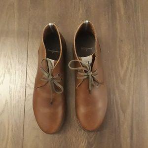 Salvatore Ferragamo Shoes - Men's Brown Leather Salvatore Ferragamo Chukka